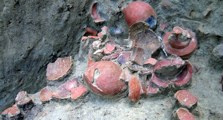 舟木遺跡出土品・製塩土器やイイダコ壺